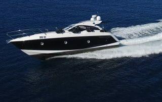 Charter Motoryacht Sessa C35