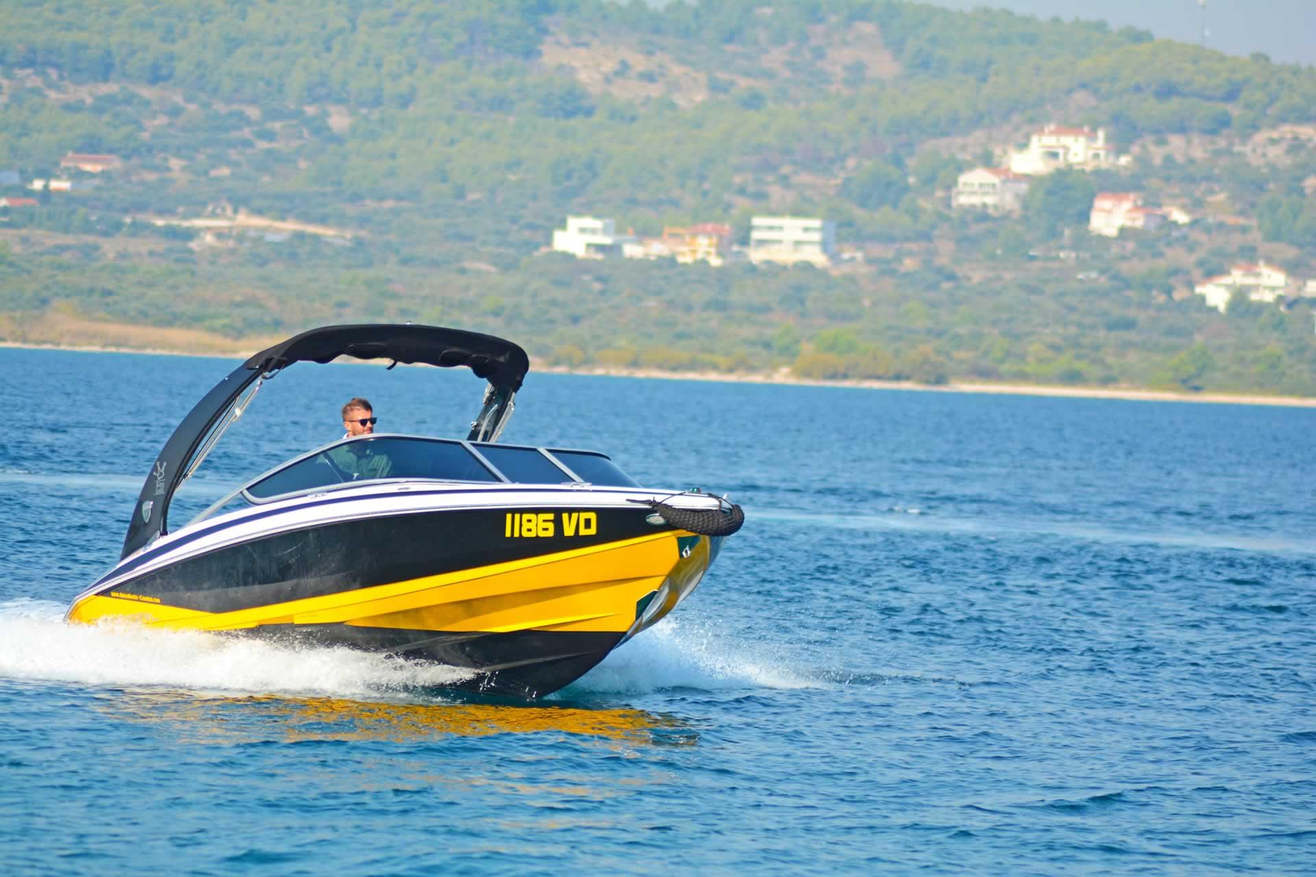 Bootsverleih Kroatien - Regal 2100 RX - Sorgloser Bootsverleih in Kroatien