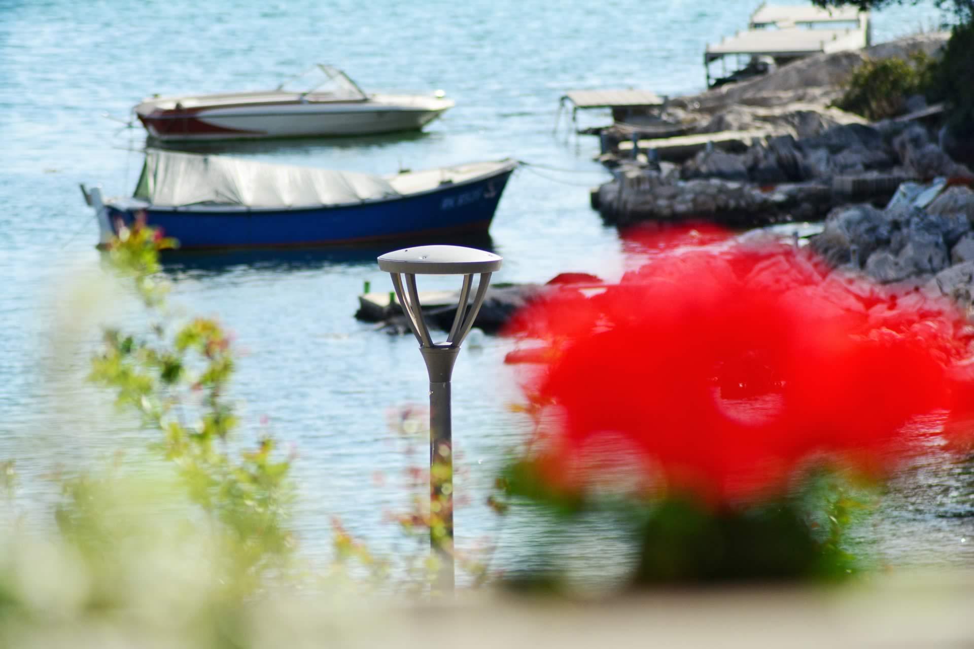Apartments für Ihren Charterurlaub mit Bootsanleger, Bootsliegeplatz