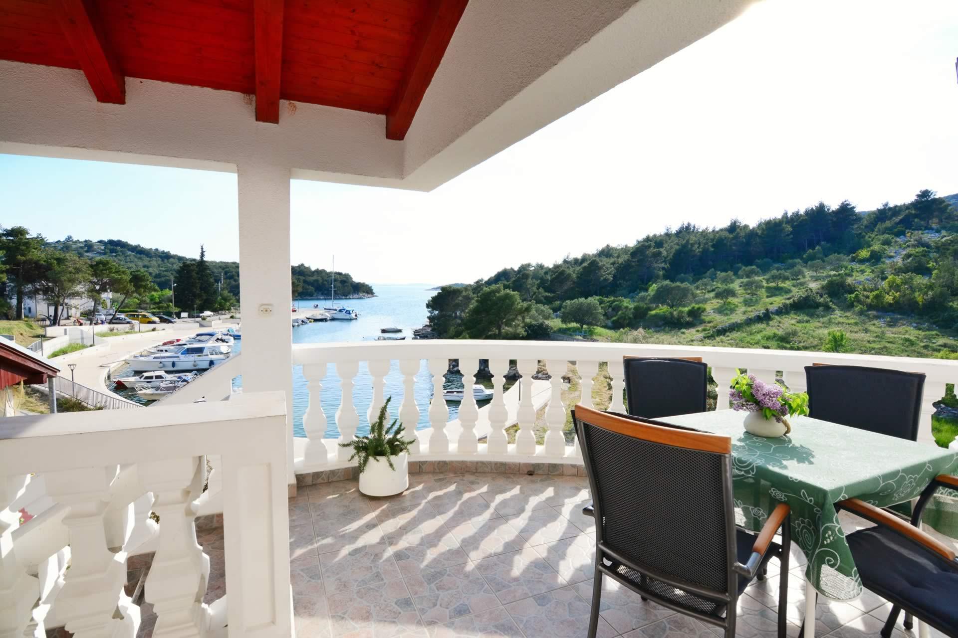 kroatien ferienwohnung mit bootsliegeplatz