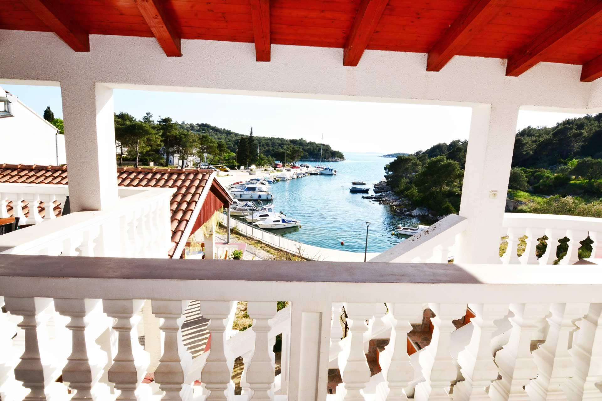 kroatien ferienwohnung mit motorboot