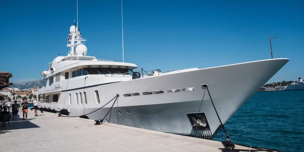 Rod Stewart mit seiner Yacht in Kroatien